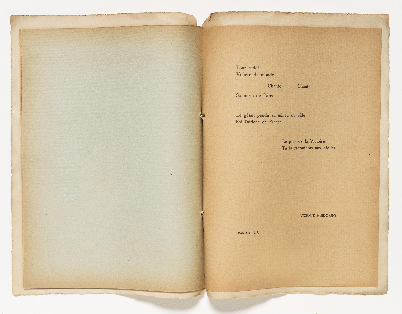 Difundido de Tour Eiffel (1918) por Vicente Huidobro, en las Colecciones Especiales de la Biblioteca Guggenheim.  Foto: Kristopher McKay